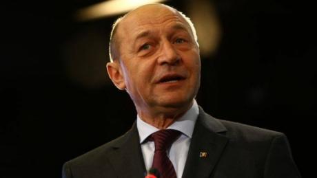 Episod spumos cu Traian Băsescu la moțiunea de cenzură: Tăriceanu l-a 'salvat' pe fostul său adversar nr.1 dintr-o situație delicată