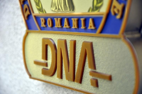 135 of DNA's prosecutors request CSM to have professional reputation and independence defended