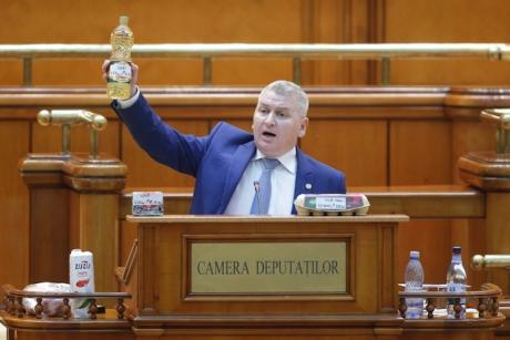 Liderul deputaţilor PNL, declaraţie SURPRIZĂ: 'Mi-aş dori o dezbatere' între Iohannis şi Dăncilă