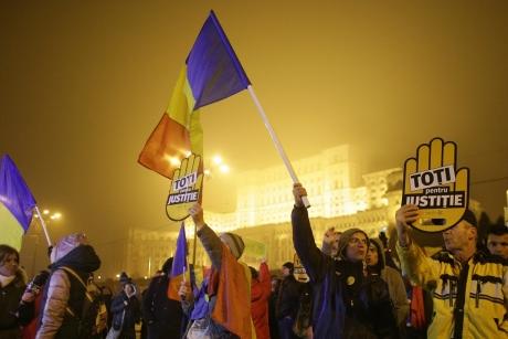 Un nou PROTEST împotriva modificării legilor Justiţiei: Ce vor să facă manifestanţii din Iaşi