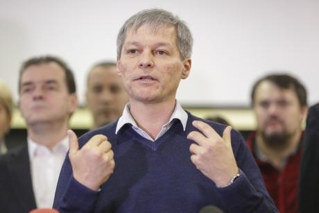 Șoc pe scena politică: Cozmin Gușă spune cine se află, de fapt, în spatele lui Dacian Cioloș