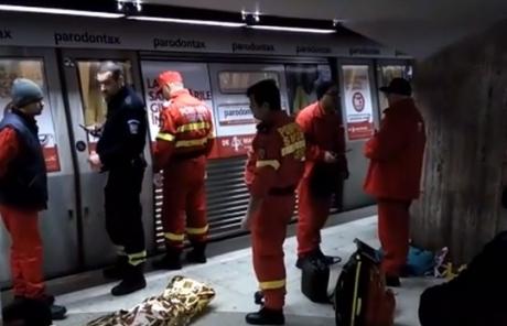 Descoperire ȘOCANTĂ: Cadavrul unei persoane a fost găsit într-o stație de metrou din Capitală