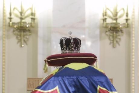 Mărturii dureroase de la catafalcul regelui Mihai: 'România a pierdut totul. În numele poporului, mi-am cerut iertare'