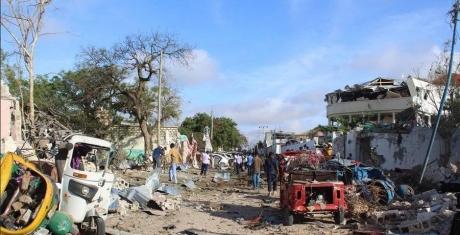 Măcel în Somalia: 18 morţi într-un dublu atentat cu maşină capcană la Mogadiscio