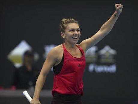 Victorie SENZAȚIONALĂ: Simona Halep e în semifinale la Australian Open, după ce a 'PULVERIZAT-O' pe Karolina Pliskova - VIDEO