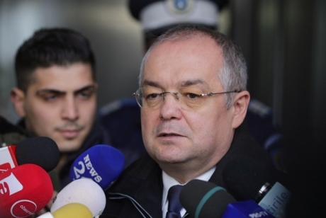 Emil Boc, prima conferință de presă după un an și jumătate după ce Primăria Cluj a fost acționată în judecată: 'Dacă voi fi chemat voi merge'