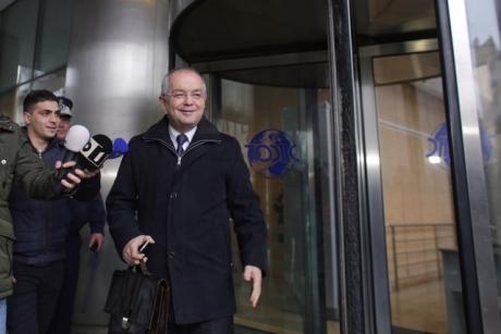 După mai bine de două ore de audieri, judecătorii l-au lăsat pe Emil Boc să plece: Ce le-a spus despre dosarul licenţelor Microsoft