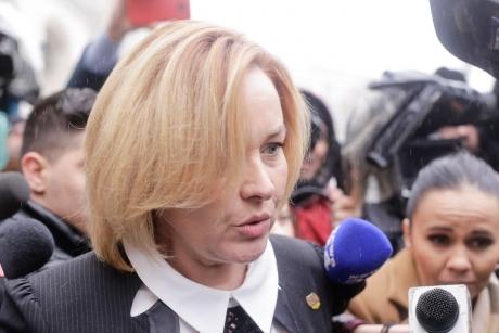 Carmen Dan dă de pământ cu Iohannis după ce a spus că protestatarii anti-PSD au fost arestați: 'Este foarte grav'
