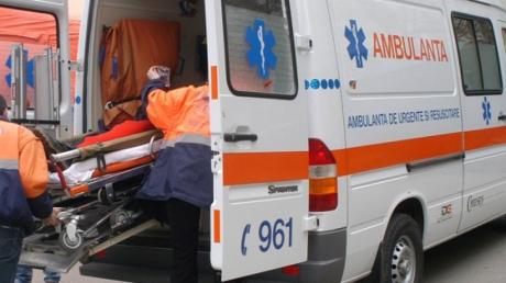 Trei ieşeni au ajuns la spital în urma unui accident rutier pe DE 583: Şoferul vinovat a încercat o manevră incredibilă