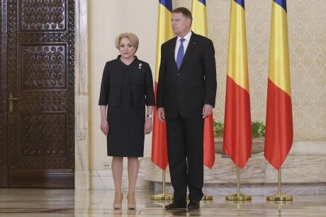 Viorica Dăncilă pune TUNURILE pe Klaus Iohannis: 'Ce să fac, să fac un pas în spate? Mi-a cerut de 4 ori demisia, lucrurile se leagă'