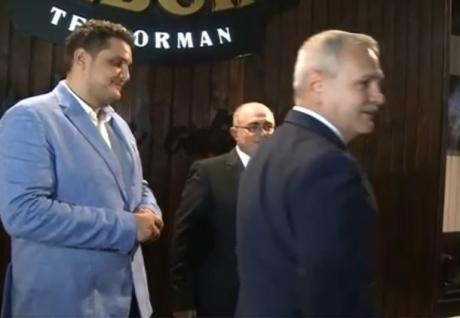 Fiul lui Liviu Dragnea și-a cumpărat două mașini de lux în mai puțin de două săptămâni, deși a pierdut un milion de euro în afaceri - FOTO