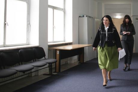 Sorina Pintea cere MĂSURI URGENTE în cazul asistentei care a ȚIPAT la o fetiță bolnavă care plângea de durere