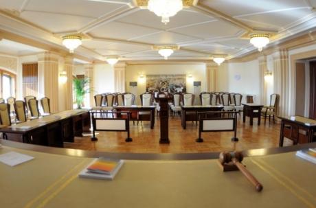 Asociaţia lui Danileţ vrea să lase CCR în opt oameni: 'Unul dintre judecători are un mandat care a depășit norma constituțională'
