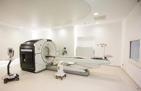 Primul centru integrat de medicină nucleară din România, la Spitalul Militar din Bucureşti, după o investiţie de peste 4,3 milioane de euro