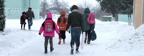 Școlile vor fi ÎNCHISE, în București şi în zece judeţe, vineri, din cauza vremii