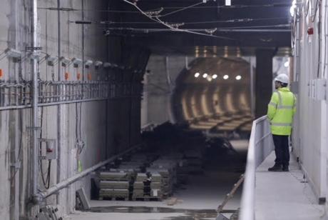 Nereguli grave descoperite de Corupul de control al primierului: Preţul metroului în Drumul Taberei, 'umflat' cu 14%. Termene depăşite cu şapte ani