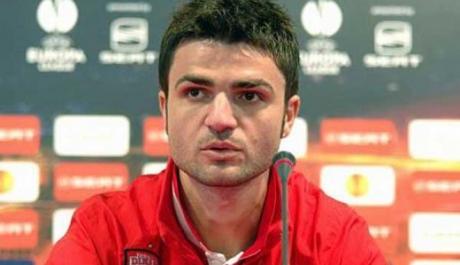 Antrenorul echipei FC Dinamo, Florin Bratu, afirmă că dorește 'o îmbinare între experienţă şi tinereţe pentru un echilibru bun'