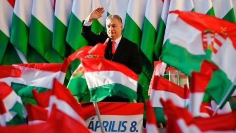 Viktor Orban trage cu tunul înaintea alegerilor europarlamentare: Manfred Weber este un lider slab