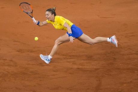 Probleme pentru Simona Halep, după meciul din FedCup: Am suferit o contractură la picior