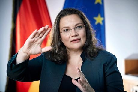 Premieră istorică în Germania: Principalii adversari ai lui Merkel vor fi conduşi de o femeie/ Reacţia canceralului