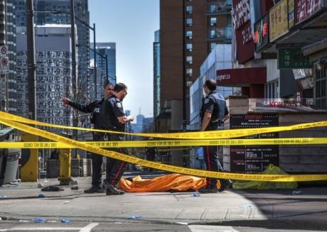 Dezvăluiri ȘOCANTE despre atacatorul din Toronto. Mesajul publicat pe Facebook, înainte de a urca la volan