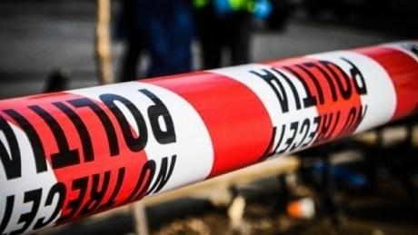 TRAGEDIE Un adolescent a murit, după ce a fost lovit de o mașină în timp ce se afla într-o parcare