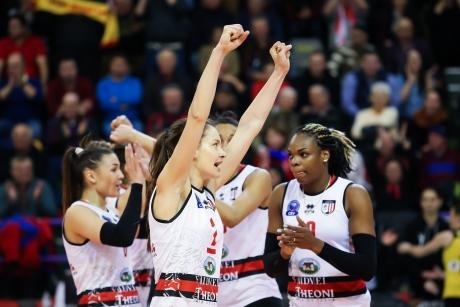 Busto Arsizio a învins Volei Alba Blaj și în returul finalei Cupei CEV  la volei feminin şi câştigă trofeul