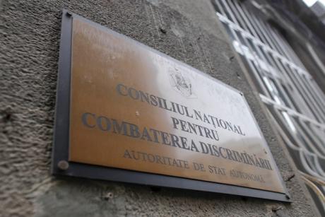 Un deputat USR denunţă 'poliţia gândirii': 'CNCD încearcă să pună pumnul în gură purtătorului de cuvânt al Patriarhiei Române'