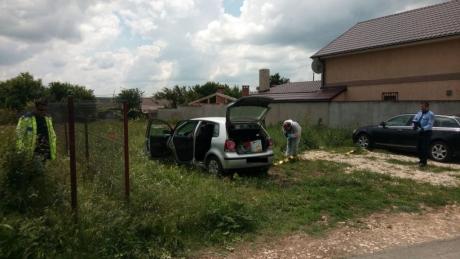 ȘOC și GROAZĂ! O femeie a fost găsită MOARTĂ, în mașină, în stare avansată de putrefacție: Ce le-a spus polițiștilor soțul ei