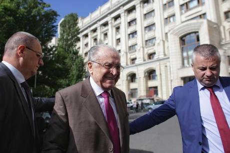 ADEVĂRATUL INTERVIU al lui Ion Iliescu pentru Le Figaro: Cere CONGRES în PSD și pune ETICHETA pe Liviu Dragnea