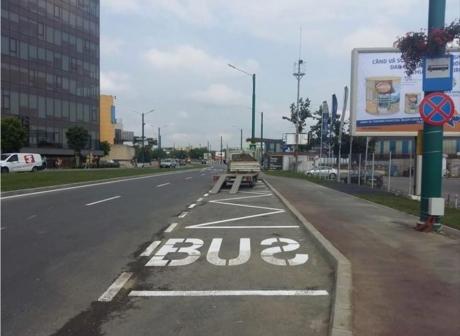 Timişoara face SENZAŢIE cu un marcaj dintr-o staţie de autobuz. Imaginea care a stârnit râsul a mii de internauţi