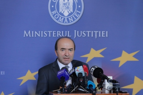 JusMin Toader: Justice -in courtrooms; Laws - in Parliament; CSM issues advisory opinions on Justice laws