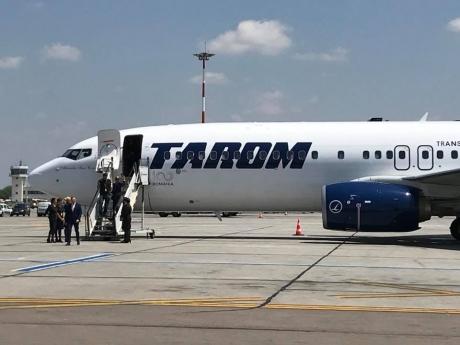 Alertă în aer - Un avion TAROM de pe ruta Antalya-Timișoara a aterizat de urgență la București