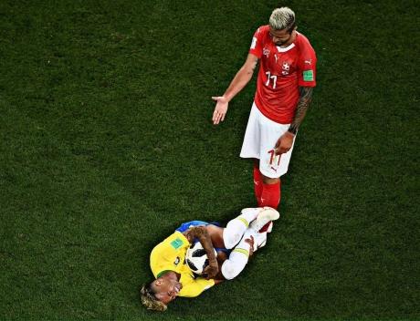 Neymar rămâne la PSG