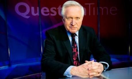 Jurnalistul David Dimbleby renunţă la prezentarea emisiunii 'Question Time' de la BBC pentru a se întoarce la 'prima dragoste: reporter'