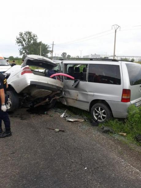 Trafic BLOCAT pe un important drum din țară - Un tânăr a ajuns în comă, după un accident grav
