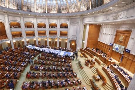 Moţiune/PNL şi USR cer demisia ministrului Justiţiei şi îl acuză că a trimis România în perioada Năstase-Stănoiu