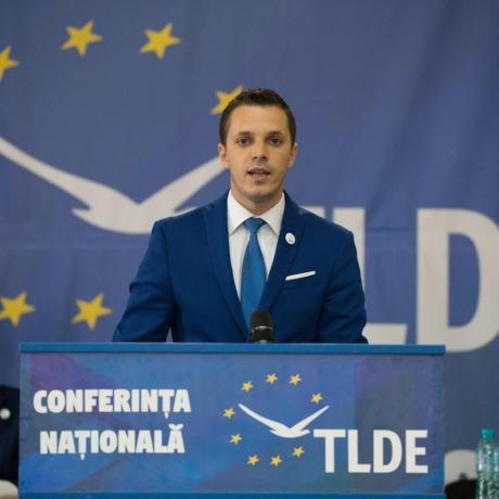 Liderul tineretului ALDE: 'Pentru a obține avantaje electorale, Iohannis încă o dată a ales să manipuleze poporul'