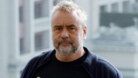 Regizorul şi producătorul Luc Besson s-a confruntat cu cea care îl acuză că a violat-o de mai multe ori în timpul relaţiei lor