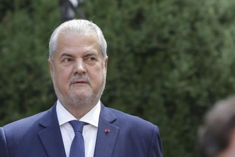 Adrian Năstase îl NIMICEȘTE pe Iohannis: Grobianism, conduită partizană, lipsă de corectitudine, complicitate cu serviciile