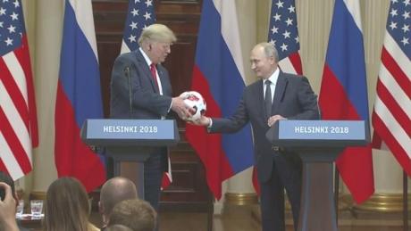 IMAGINILE întâlnirii dintre Donald Trump și Vladimir Putin: Melania Trump a fost IMPLICATĂ - VIDEO