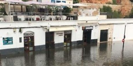 'Rissaga' a produs panică în Mallorca: Un mini-tsunami a devastat o plajă - VIDEO