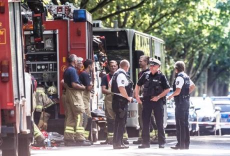Atacul cu cuţitul dintr-un autobuz din oraşul german Luebeck, soldat cu zece răniţi