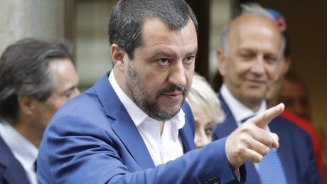 Omul forte al Italiei sfidează Uniunea Europeană:'Italia îşi va menţine bugetele, în pofida a ceea ce spun agenţiile de rating şi Bruxelles-ul'