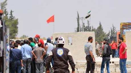 Iordania anunţă că aproape 300 de voluntari `Căștile albe` din Siria pleacă spre vest