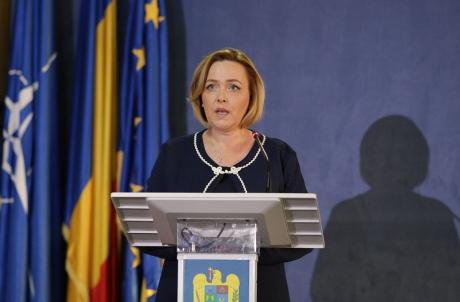 Carmen Dan, contrazisă de fapte: Prefectul şi viceprimarul Capitalei NU s-au aflat la punctul de comandă (surse)