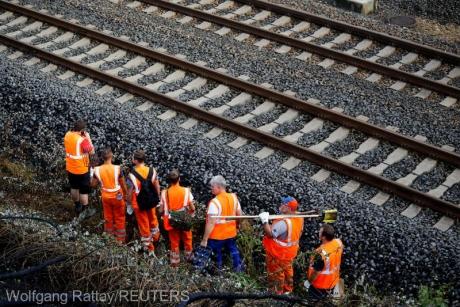 Trei constructori 'se bat' pentru preluarea lucrărilor de modernizare a căii ferate București Nord- Aeroportul Henri Coandă