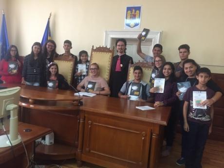 Cristi Danileț DESFIINȚEAZĂ necesitatea Referendumului pentru familie: PLEDOARIE în 10 puncte