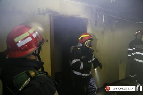 EXPLOZIE într-un bloc din Dâmboviţa. Deflagraţia, din cauza unei gest banal al propietarului (FOTO)
