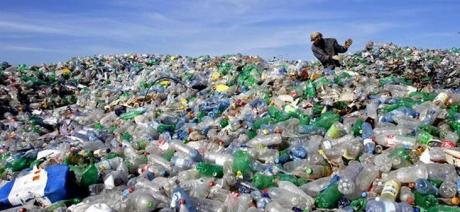 Studiu: 414 milioane de bucăți de plastic au fost găsite pe insulele îndepărtate ale Australiei